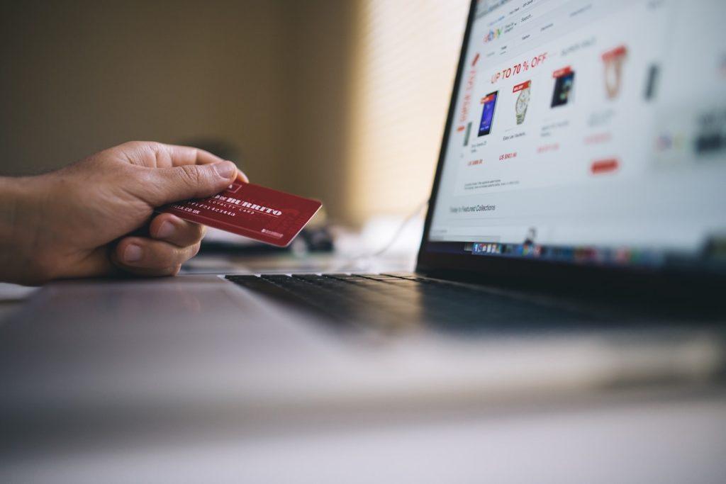 confiez la redaction des fiches produits de votre site e-commerce a une redactrice web professionnelle, pour une qualite et une efficacite garanties